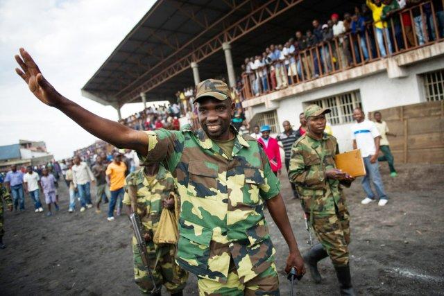 Dans un discours prononcé devant des milliers de... (PHOTO PHIL MOORE, AFP)