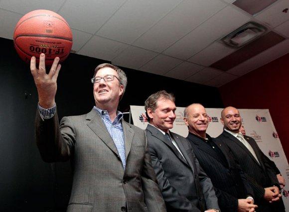 Jim Watson, Cyril Leeder, président des Sénateurs d'Ottawa,... (Étienne Ranger, LeDroit)