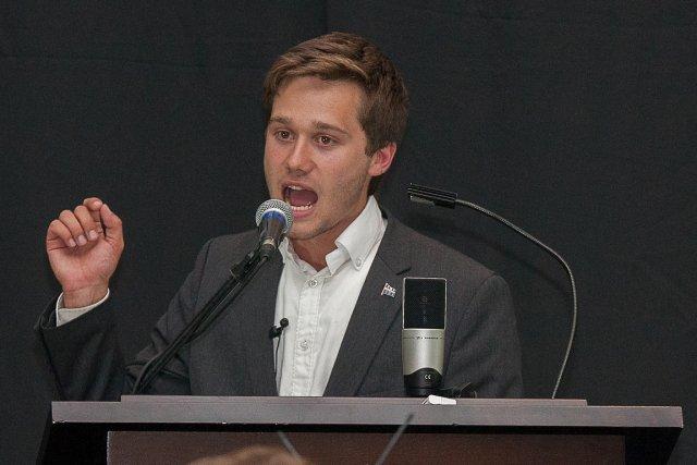 Léo Bureau-Blouin expliquera aux députés de l'Hexagone comment... (Photo archives La Presse)