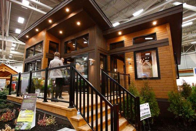 Le beau temps nuit au salon chalets et maisons de campagne for Salon maison de campagne