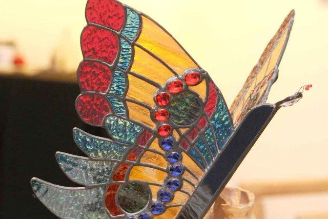 Julie Parent propose quelques lampes de vitrail.... (Le Soleil, Andréanne Lemire)