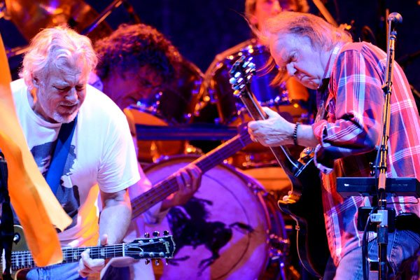 Neil Young accompagné de l'inégalable Crazy Horse: le... (LA PRESSE)