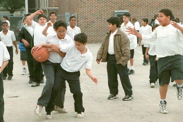 Les élèves d'une école secondaire de San Antonio... (PHOTO ARCHIVES AP)