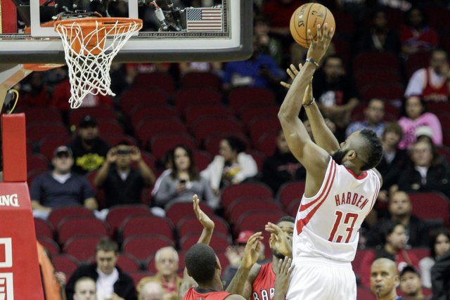 James Harden a inscrit 24 points dans la... (Photo: AP)