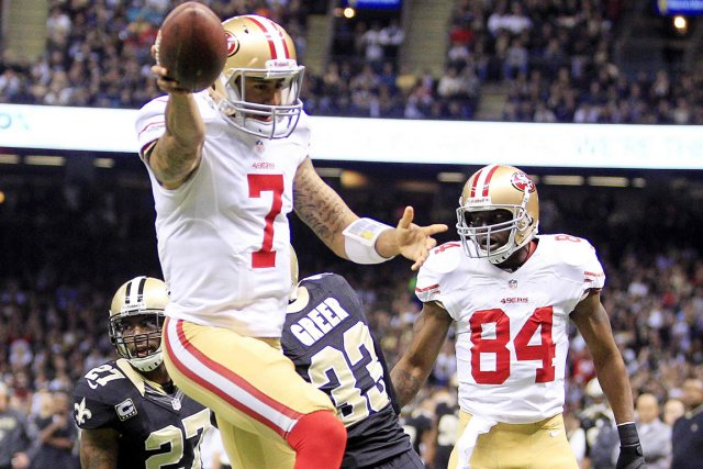 Le quart Colin Kaepernick (7) a mené les... (Photo: Reuters)