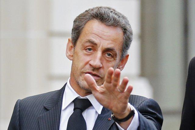 L'ex-président français Nicolas Sarkozy tente en coulisse de... (PHOTO BENOIT TESSIER, REUTERS)