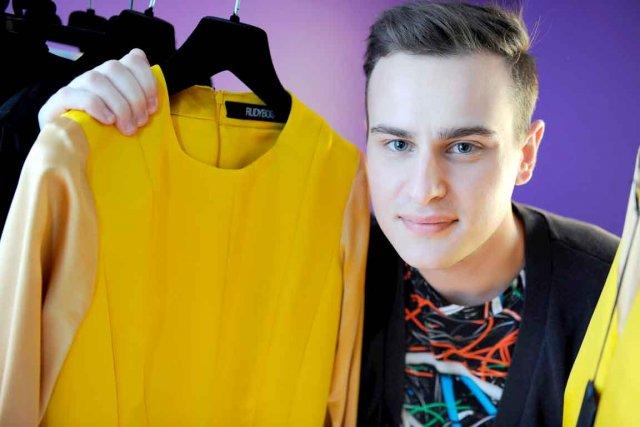 Visant le marché du vêtement féminin haut de... (Le Soleil, Erick Labbé)