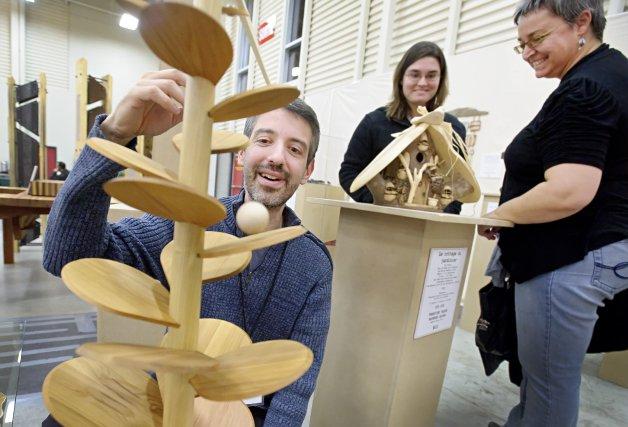 Le 23e Salon des métiers d'art de l'Estrie à peine ouvert, au Centre de foires... (Imacom, Jocelyn Riendeau)