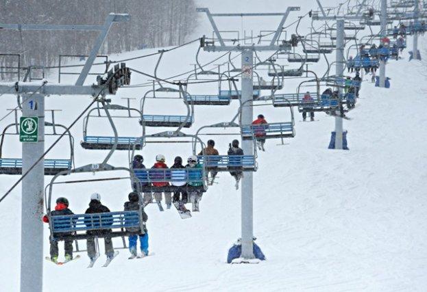 Les années se suivent et ne se ressemblent pas pour les stations de ski de la... (Archives, La Tribune)