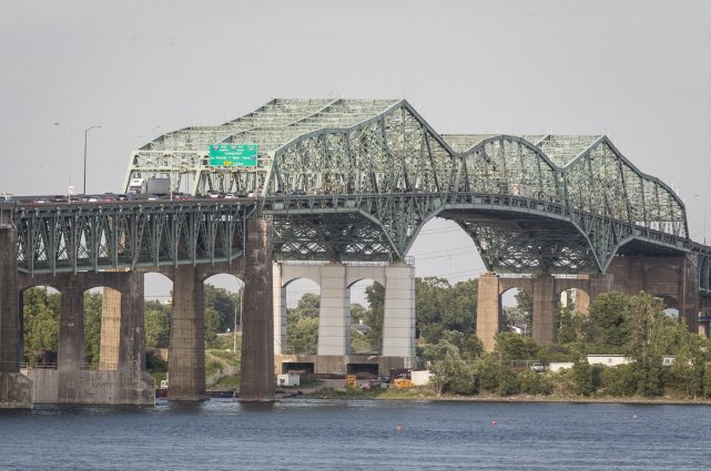 L'actuel pont Champlain.... (Photo archives La Presse)