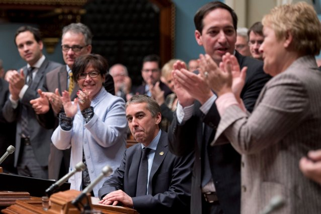 Après 25 heures d'étude, les parlementaires ont voté... (La Presse Canadienne)