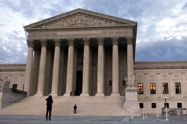 La Cour suprême des États-Unis s'est saisie vendredi d'un litige concernant le... (PHOTO JACQUELYN MARTIN, ASSOCIATED PRESS)