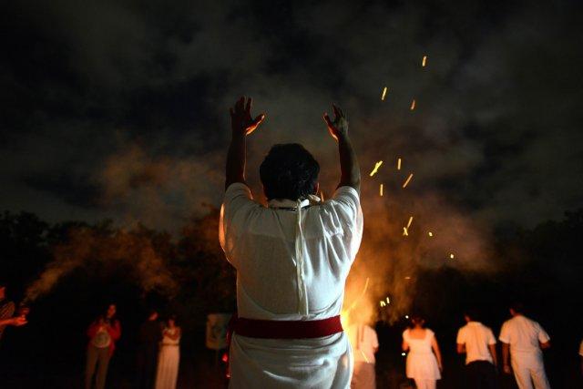 Prêtre maya au Mexique... (PHOTO LUIS PEREZ, AFP)