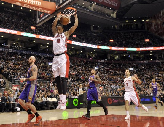 DeMar DeRozan a inscrit 23 points dans la... (PHOTO MIKE CASSESE, REUTERS)