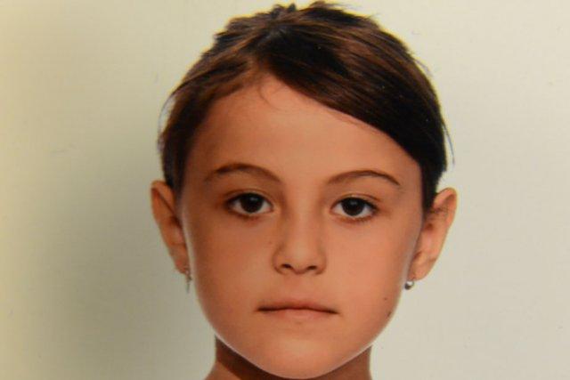 Jasmine Olleik, âgée de neuf ans, est portée...