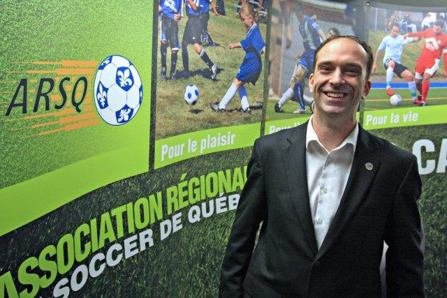 Daniel Belleau fait partie du groupe d'arbitres qui... (Photo : Pascal Ratthé, Le Soleil)
