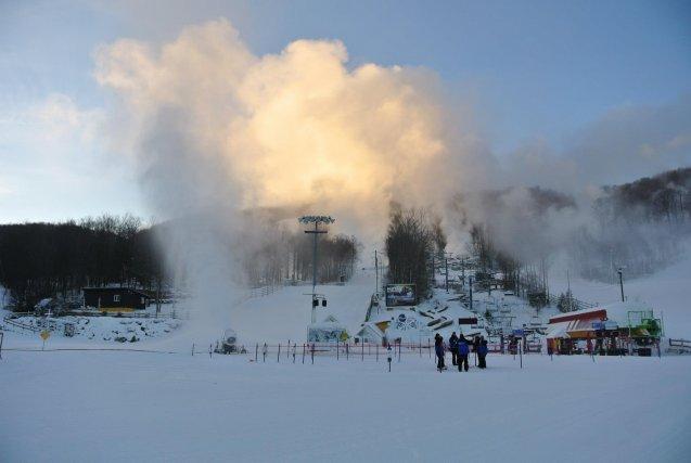 Les skieurs et planchistes ont foulé en grand nombre les pistes de Ski Bromont...