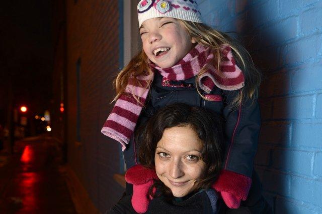 Valérie Larouche et sa fille Camille, 8 ans,... (Photo: Bernard Brault, La Presse)