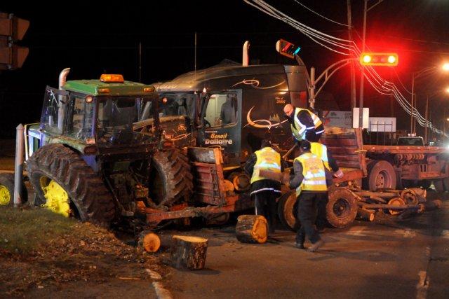 Un conducteur a été blessé, hier en début de soirée sur le boulevard ... (Photo: François Gervais)