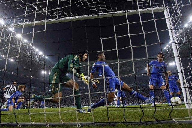 Chelsea, en pleine déroute depuis un mois et... (Photo: Reuters)