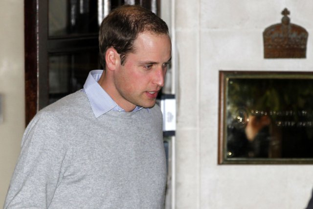 Le prince William, qui a passé de nombreuses... (PHOTO SANG TAN, AP)