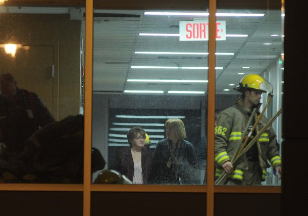 Plusieurs pompiers ont dû se rendre à la... (PHOTO: SYLVAIN MAYER)