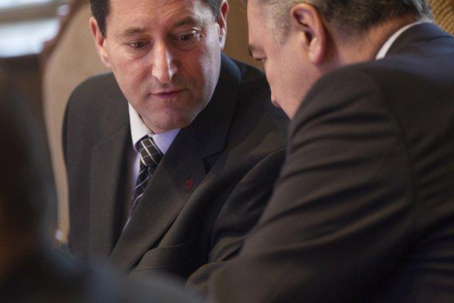 Le maire Michael Applebaum, à gauche, et le... (Photo: Ivanoh Demers, La Presse)