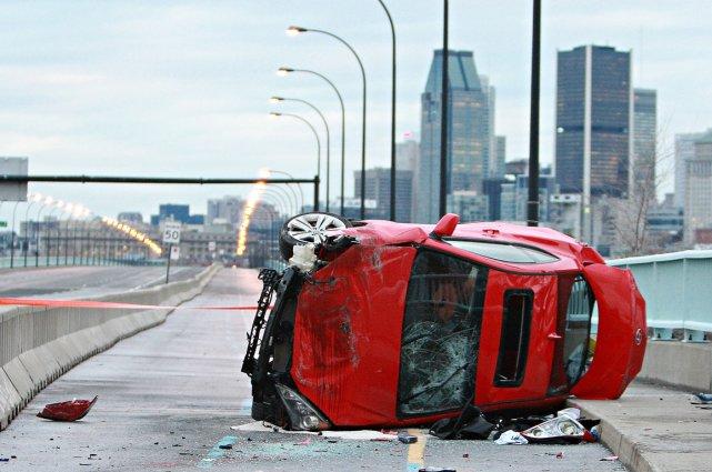 Vers 6h40, la petite voiture a dérapé et... (Photo Félix-Olivier Jacques Fournier, collaboration spéciale)
