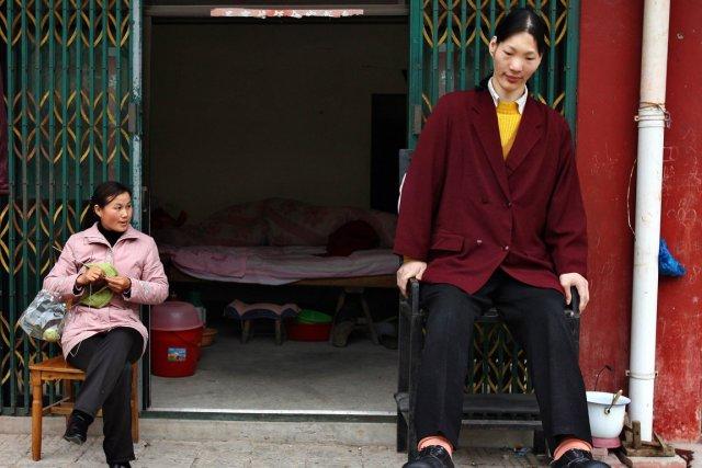 Le Livre Guinness des Records avait répertorié Yao... (Photo: archives Reuters)