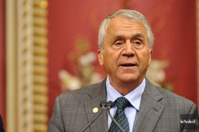 Le ministre de l'Agriculture, François Gendron, vient d'enfoncer... (Photo Steve Deschênes, Archives Le Soleil)