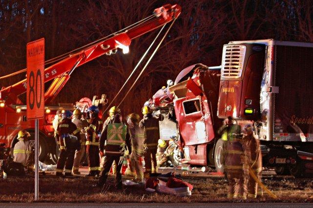 L'accident s'est produit vers 4h30 sur l'autoroute 20-Est,... (Photo Félix-Olivier Jacques Fournier, collaboration spéciale)