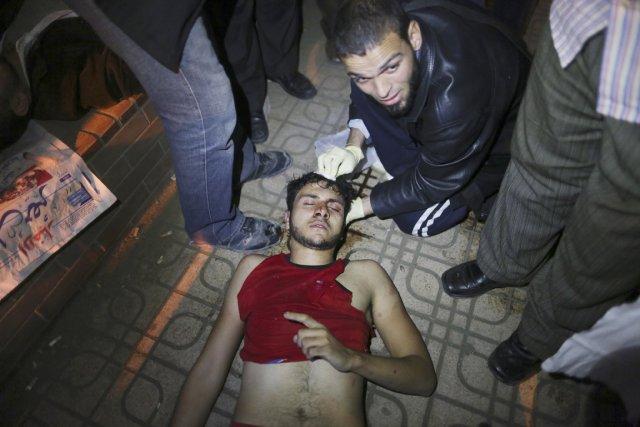 Un partisan du président Morsi et des Frères... (PHOTO WISSAM NASSAR, THE NEW YORK TIMES)