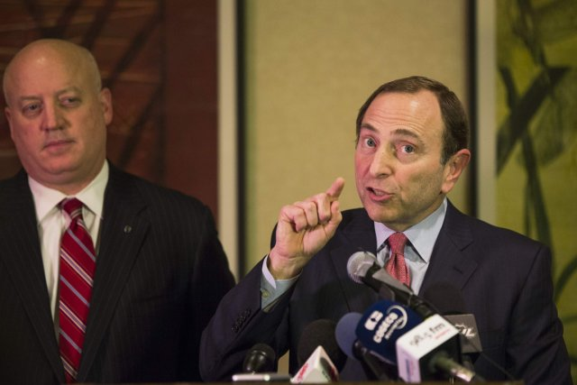 Comment Gary Bettman peut-il justifier la poursuite de... (Photo: Reuters)