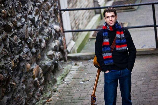 L'auteur-compositeur-interprète François Désaulniers a lancé son mini-album Mais... (Photo: Olivier Croteau)