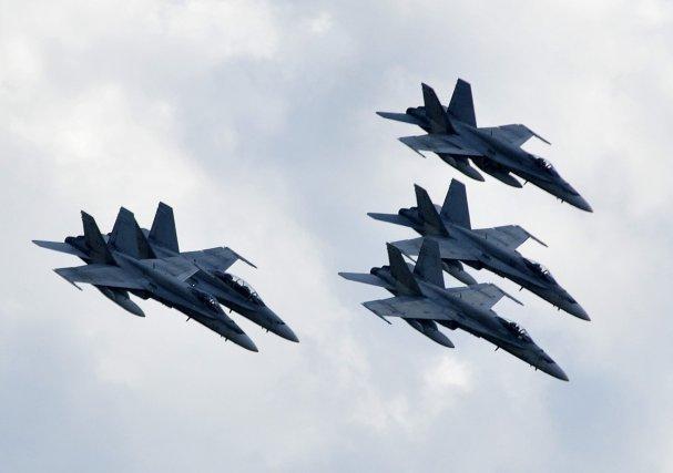 Des avions du Commandement de la défense aérospatiale de l'Amérique du Nord... (Photo Rocket Lavoie)