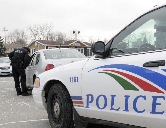 Les policiers de Saguenay ont émis 23 constats d'infraction lors d'une... (Photo Rocket Lavoie)