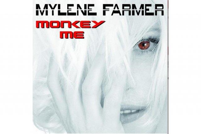En grande beauté à 51 ans, la chanteuse pop française née au Québec, Mylève...