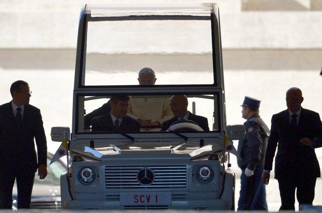 Le pape Benoît XVI se déplaçait depuis le... (Photo AFP)