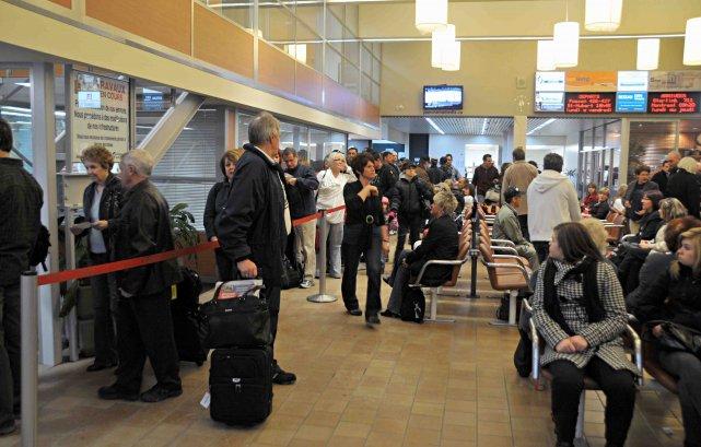 L'aéroport de Bagotville se retrouve à la croisée... ((Archives))