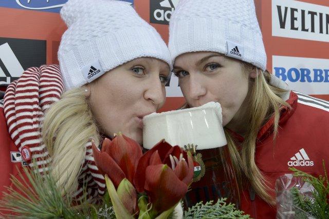 Kaillie Humphries et Chelsea Valois ont goûté aux... (Photo : Martin Meissner, AP)