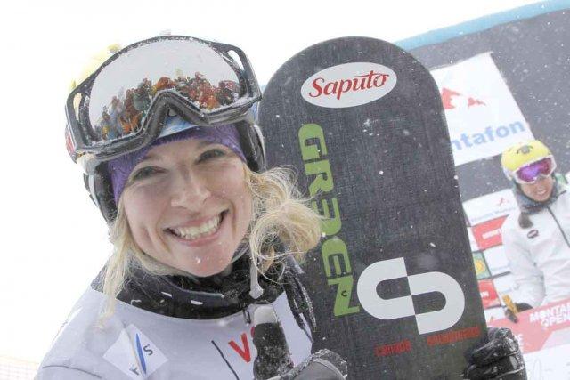 Dominique Maltais savoure sa victoire à sa descente... (Photo AFP)