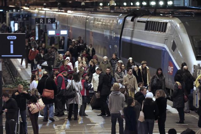 Face à la menace terroriste, les chemins de fer français expérimentent de... (AFP)