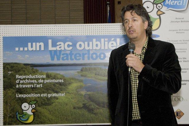 «Le maire (Pascal Russell) propose un projet sur... (photo Stéphanie Mantha)