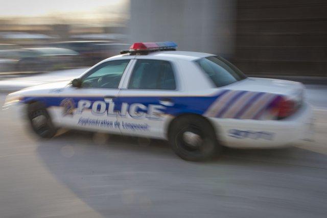 Une suspension de cinq jours a été imposée lundi à deux policiers du Service de... (Photo archives La Presse)