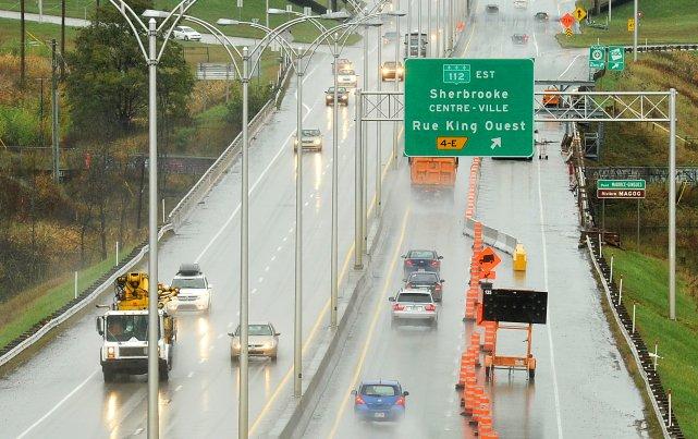 La circulation sur l'autoroute410 a été perturbée vers 8h45 mardi sur... (Archives La Tribune, Jessica Garneau)