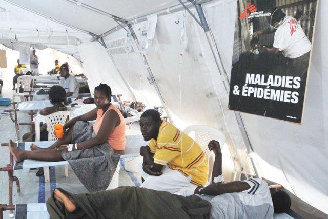 L'éclosion de choléra en Haïti a fait plus... (Photo: AFP)