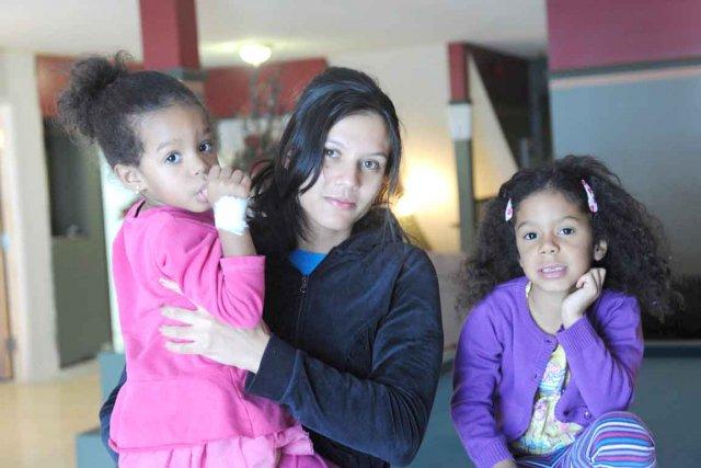 Les petites Angelina et April, ainsi que leur... (Le Soleil, Steve Deschênes)