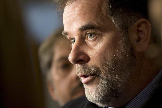 Sans préciser d'où vient l'argent, le ministre Pierre... (Photo archives La Presse Canadienne)