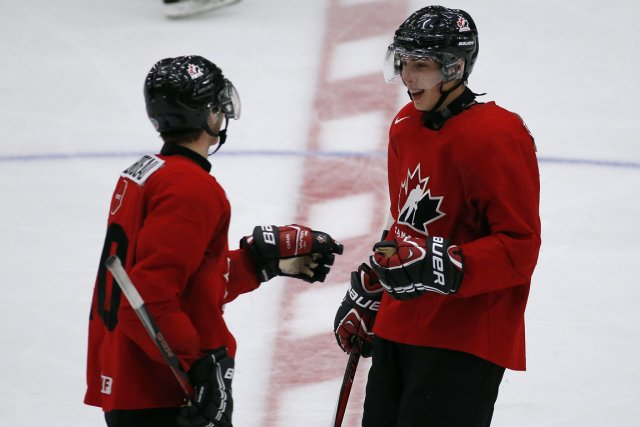 Jonathan Huberdeau et Ryan Nugent-Hopkins... (Photo: Reuters)