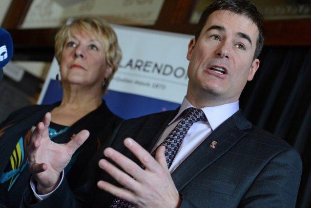 Les conseillers Ginette Picard-Lavoie et Patrick Paquet ont... (Photothèque Le Soleil, Patrice Laroche)